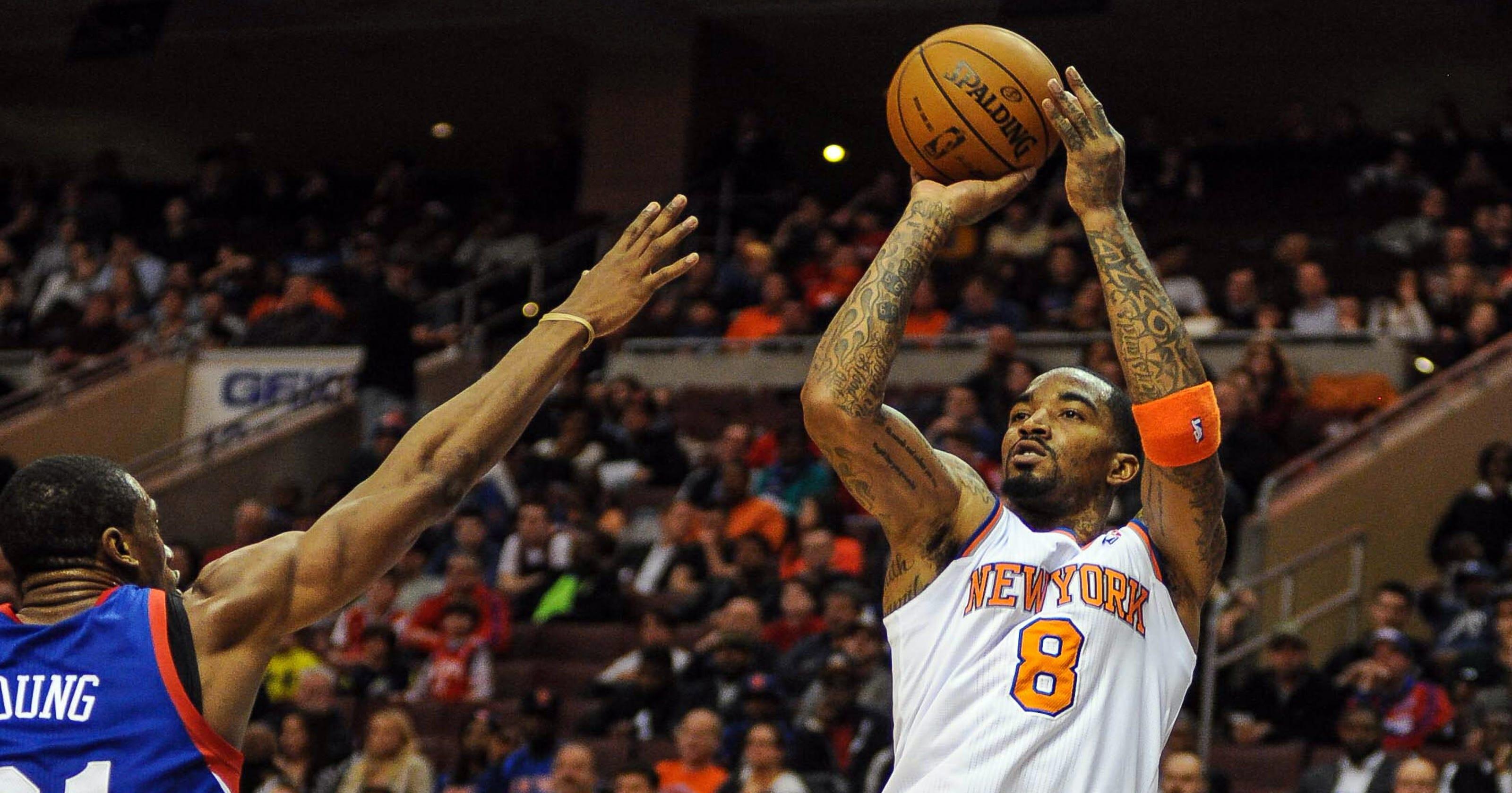d7f9e3062 J.R. Smith returns to help Knicks top 76ers