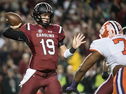 South_Carolina_Quarterback_Football_34554.jpg