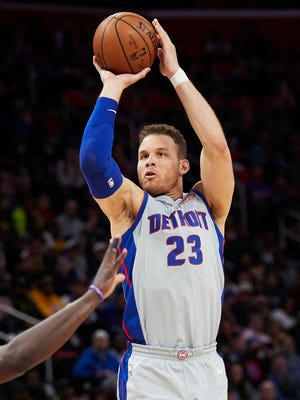 Mar 26, 2018; Detroit, MI, USA; Pistons forward Blake Griffin shoots in the second half against the Lakers at Little Caesars Arena.