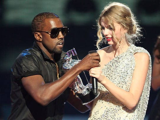 Kanye West jumped onstage after Taylor Swift won for