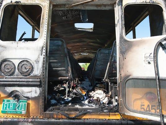 -BUR 0521 bus fire C1.jpg_20140521.jpg