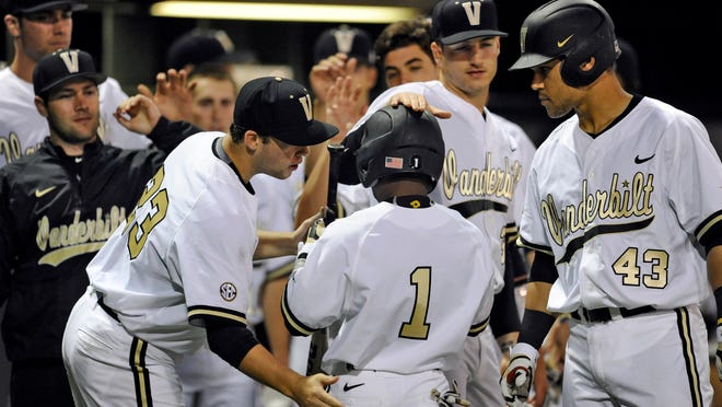 Vanderbilt has lost four of its past five games for its worst stretch since 2012. But coach Tim Corbin and players say they are not panicking heading to a series at South Carolina.