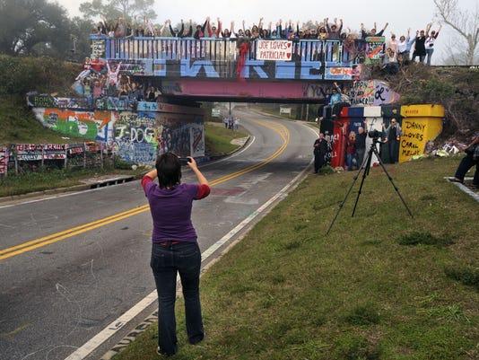 graffiti bridge 2