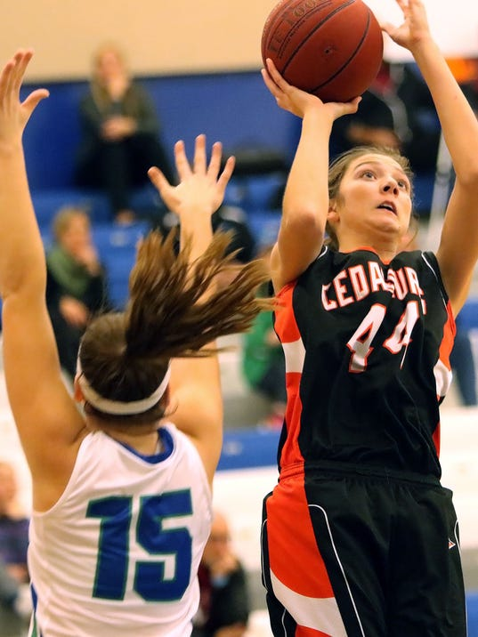 Cedarburg Notre Dame girls basketball-2