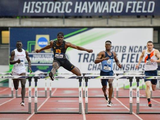 Rai Benjamin running NCAA-record 47.02 400-meter hurdles,