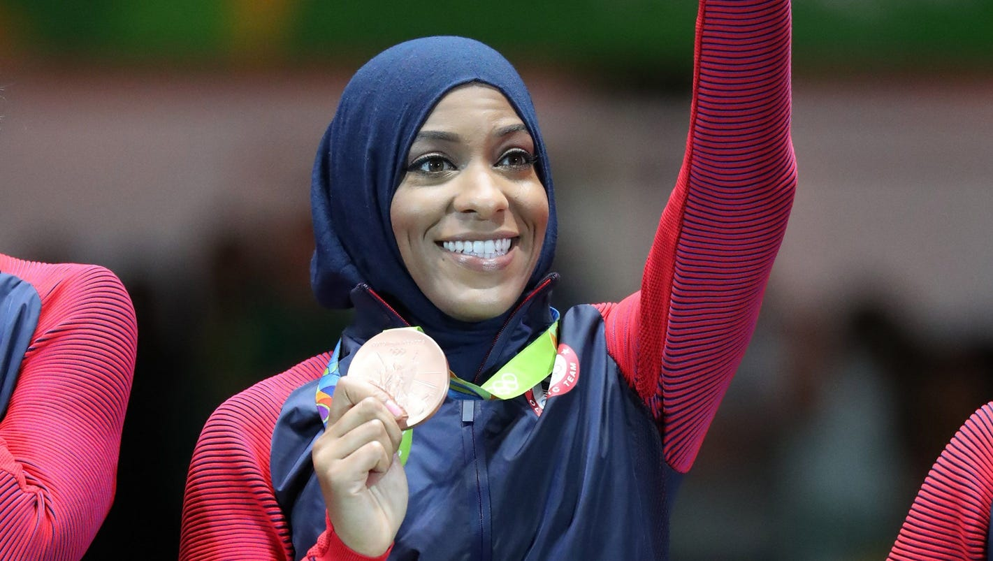 Olympic Fencer Ibtihaj Muhammad Held Us Customs Trump Travel Ban Usa Today