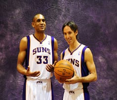 Steve Nash (right) and Grant Hill are among the notable NBA free agent signings in Phoenix Suns history.