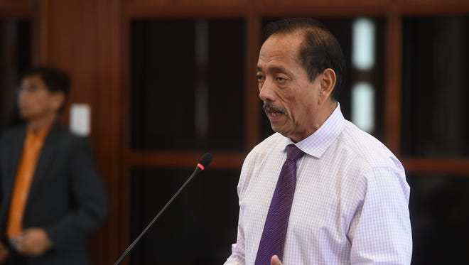 Speaker Benjamin J.F. Cruz discusses Resolution No. 310-34 (COR) during a session at the Guam Congress Building in Hagåtña on May 22, 2018.