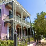 The Garden District is one of many free things to enjoy in NOLA.