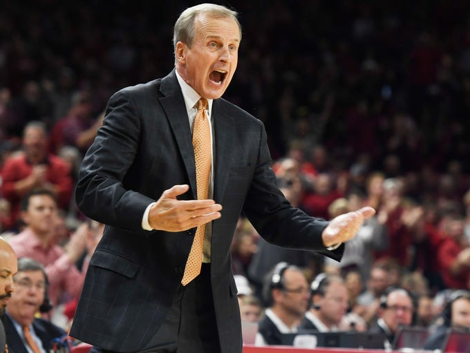 Tennessee coach Rick Barnes reacts to a call during