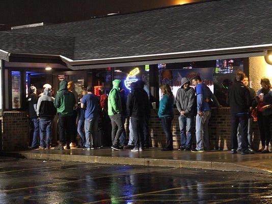 -OSH Pub Crawl Night 041214 ME 33.jpg_20140412.jpg