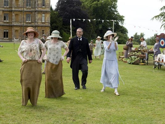 Downton-Bazaar3.jpg