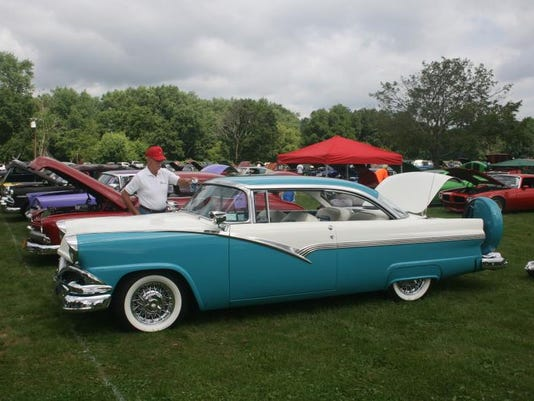 2313 Cars in the Park 038.JPG