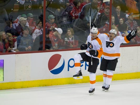 Flyers Capitals Hockey (2)
