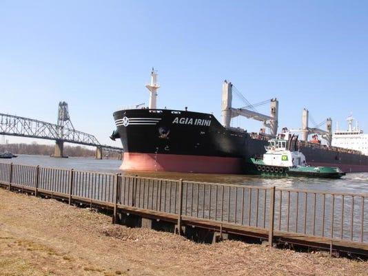 freighter runs aground.jpg