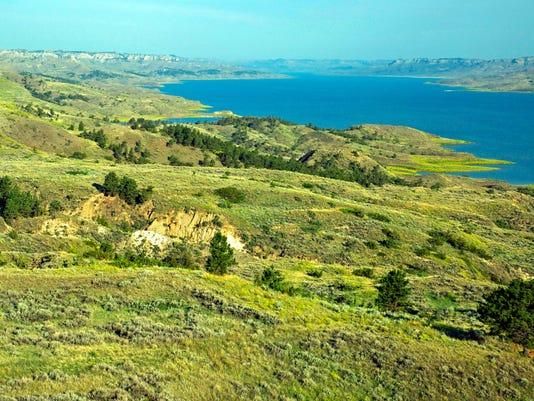 Fort-Peck-Lake