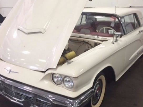 1960 Ford Thunderbird HT, V8 gas engine with modified