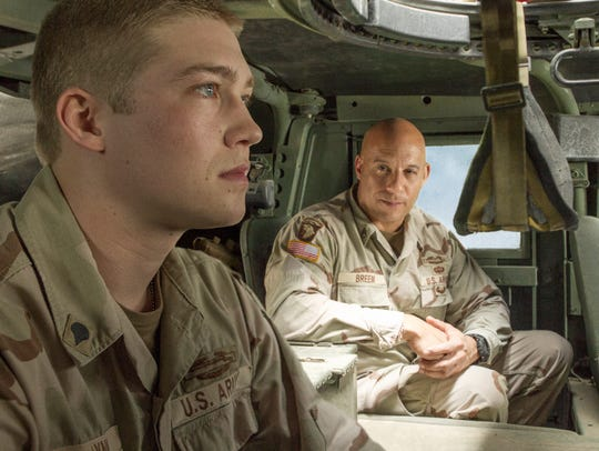 Billy Lynn (Joe Alwyn, left) and his mentor Shroom