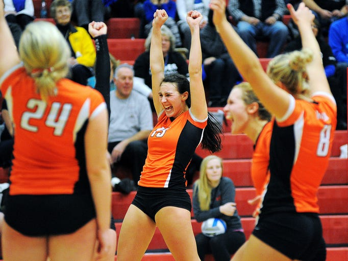 Class AA volleyball roundup: Larson lifts Riders to upset