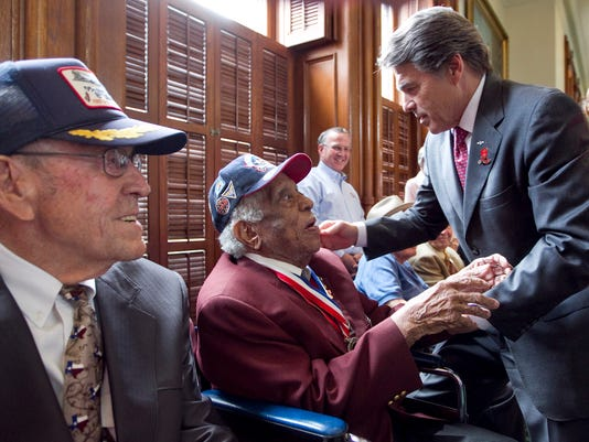 Texas-Tribune-Rick-Perry-father-Ray.jpg
