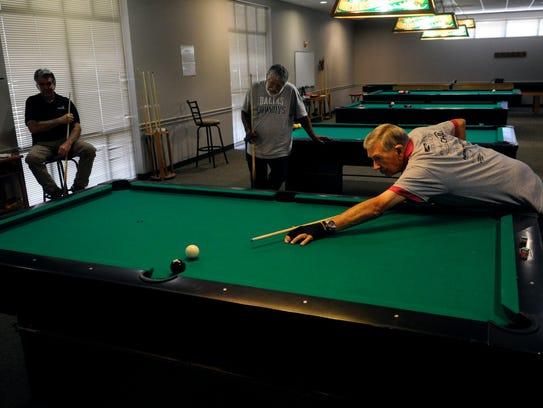 Jesse Reece lines up his final, tournament-winning