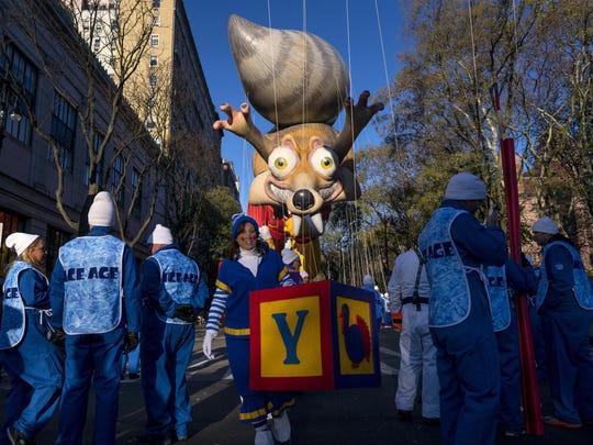 Thanksgiving Parade (2)