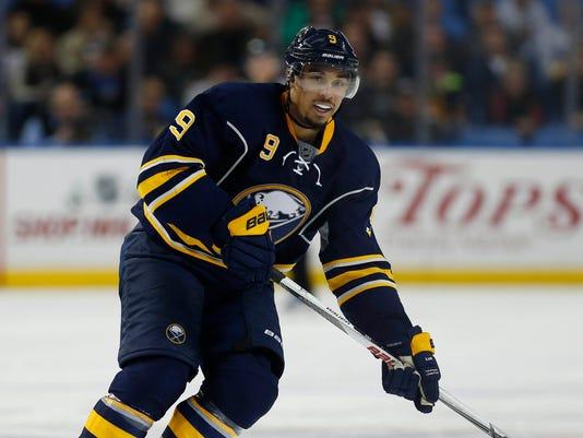 USP NHL: NASHVILLE PREDATORS AT BUFFALO SABRES S HKN USA NY