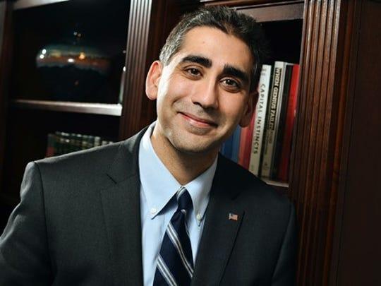 Dr. Manny Sethi