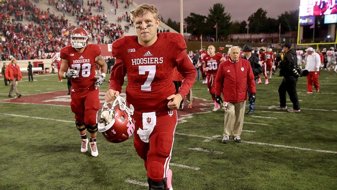 Hoosiers quarterback Nate Sudfeld (7) was pulled from the Ohio State game on Oct. 3 with an ankle injury and may not play this Saturday.