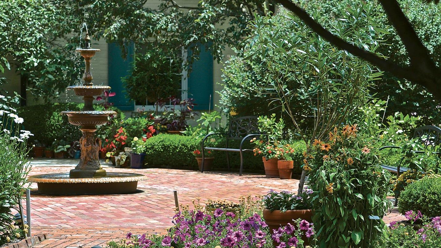 Twin Oaks tour will be a gardener\'s delight