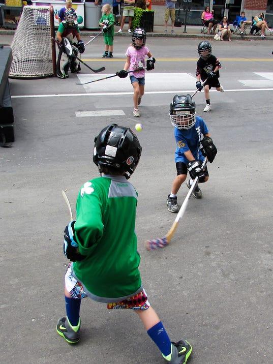 ELM 082414 streethockey 1 jdm.jpg