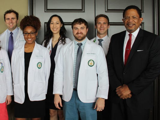 636238846871393515-UAB-Montgomery-Medical-Students-and-Dr.-Vickers-2.JPG