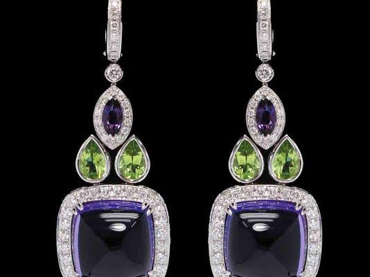 635574537574993671-GR-JewelryGuy04