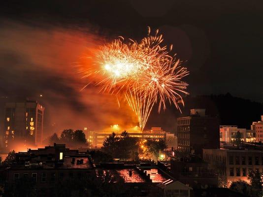 ASHBrd_06-29-2015_ACT_1_A003--2015-06-28-IMG_Fireworks.jpg_1_1_RMB6RQ09_L634