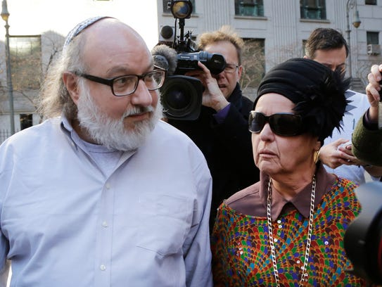 Convicted spy Jonathan Pollard and his wife, Esther,