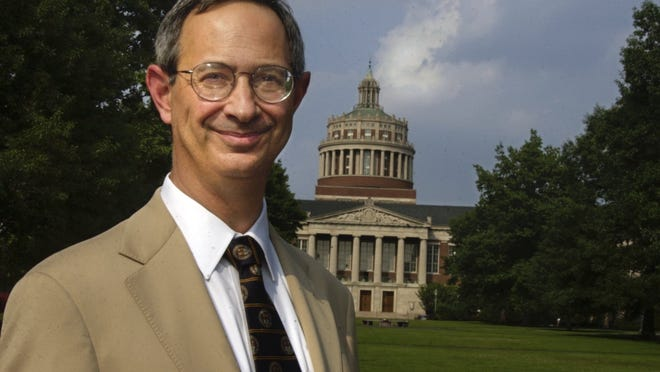 Joel Seligman, president of the University of Rochester, has announced that he will undergo a surgical procedure to have a nodule removed from his right lung.