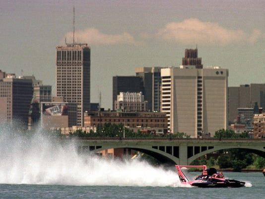 Ken Muscatel pilots the U-14 Miss Bell Forklift/To