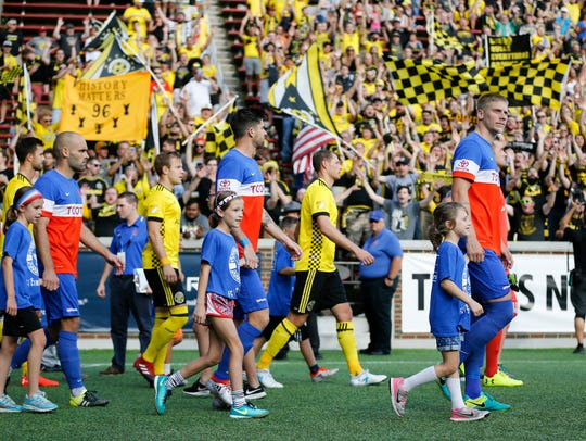 FC Cincinnati and Columbus Crew take the field for