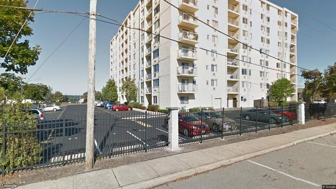 This Google Street View image shows the approximate location of 1000 River Road Unit 8H in Belmar. The property at this address changed hands in May 2019, when  Justin A Vega  bought the property from Martin and Louise Dutt  for $271,000.