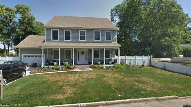 This Google Street View image shows the approximate location of 223 E{dot} End Ave{dot} in Middletown. The property at this address changed hands in May 2019, when Joshua A and Katherine M Coyle  bought the property from  Rhonda A Orchard  for $508,000.