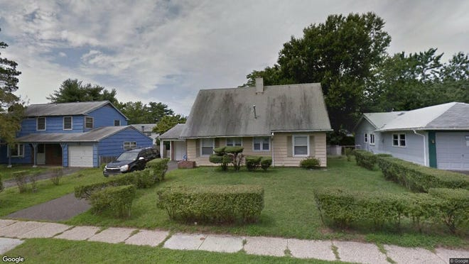 This Google Street View image shows the approximate location of 25 Spindletop Lane in Willingboro. The property at this address changed hands in May 2019, when David Acolia bought the property from Leyonna M Barba for $94,000.