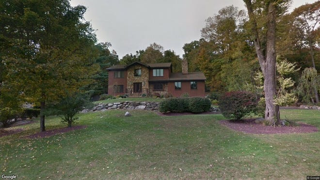 This Google Street View image shows the approximate location of 2 Geoffrey Drive in Kinnelon. The property at this address changed hands in June 2019, when new owners bought the property for $695,000.