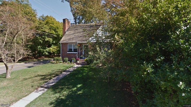 This Google Street View image shows the approximate location of 35 Park Way in Morris Plains. The property at this address changed hands in July 2019, when new owner bought the property for $450,000.