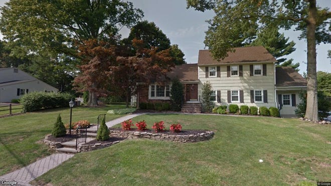 This Google Street View image shows the approximate location of 1 Gregmar Court in Florham Park. The property at this address changed hands in August 2019, when new owner bought the property for $587,500.