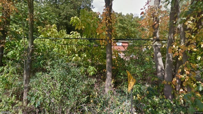 This Google Street View image shows the approximate location of 682 Pine Brook Road in Lincoln Park. The property at this address changed hands in September 2019, when new owner bought the property for $305,000.