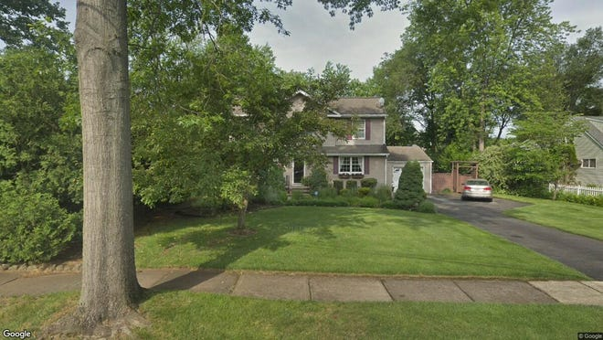 This Google Street View image shows the approximate location of 40 Gordon Place in Glen Rock. The property at this address changed hands in August 2019, when new owner bought the property for $549,900.