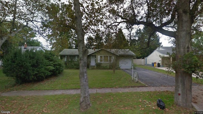 This Google Street View image shows the approximate location of 164 Greentree Road in Washington. The property at this address changed hands in November 2019, when new owner bought the property for $100,000.