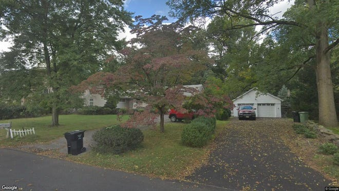 This Google Street View image shows the approximate location of 267 Dunkerhook Road in Paramus. The property at this address changed hands in September 2019, when new owner bought the property for $625,000.