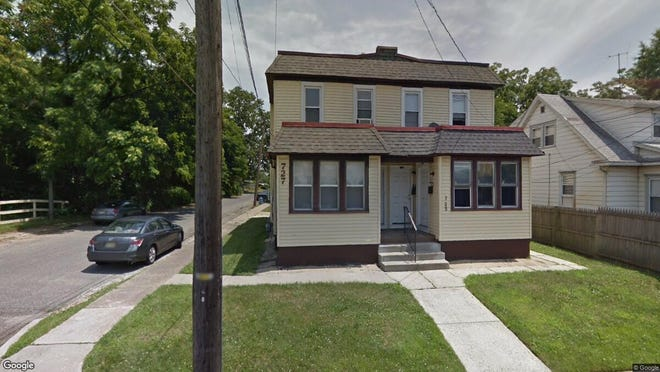 This Google Street View image shows the approximate location of 725 N. Warwick Road in Magnolia. The property at this address changed hands in November 2019, when new owner bought the property for $100,000.