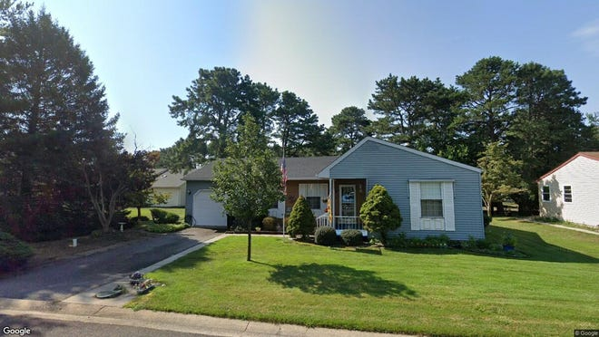 This Google Street View image shows the approximate location of 86 Sunset Road Sec 60 in Manchester. The property at this address changed hands in December 2019, when new owner bought the property for $147,500.